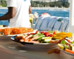Catamaran Buffet